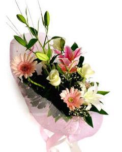 Bouquet of lilies, roses & gerberas