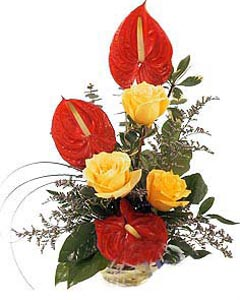 Bouquet of yellow roses & red Anthurium